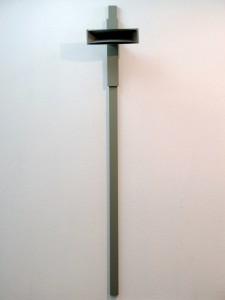 Stemspleet, hout, stadionspeaker, acryl, 220 x 40 x 30 cm., 2008