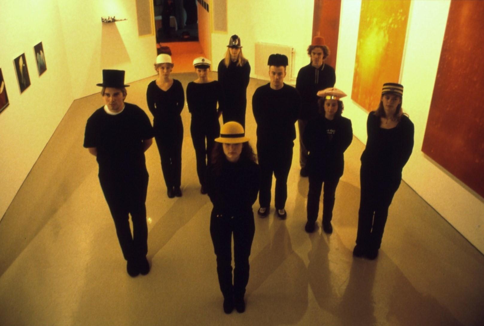 9 Bachelors,participatie-performance(uniforme et livrées),1999,Minerva-academie,Groningen