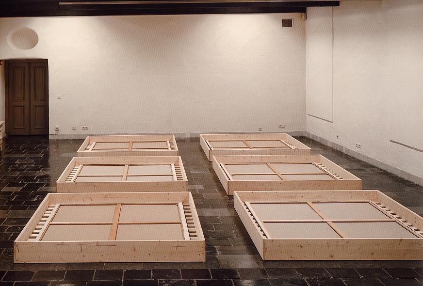 Z.T.(Tijding),1500x750m.,zaaloverzicht,installatie,1996,CommanderievanSintJan,Nijmegen